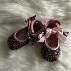 Pink leapard Jessica Simpson size 2 baby shoes